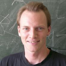 Lukas Hollenstein's picture